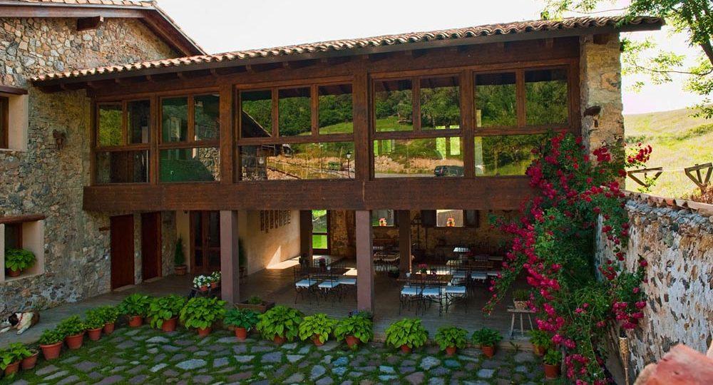 http://casadelbatlle.com/wp-content/uploads/2016/03/Casa-del-Batlle-La-Era-8-1000x540.jpg